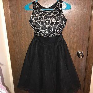 Size 6 short prom/formal dress!